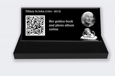 Funeral placa personalizada : Pequeña placa conmemorativa código QR - Angel fondo negro y blanco